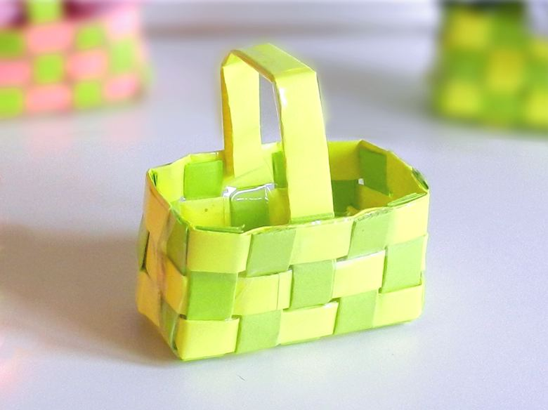 Woven paper gift basket