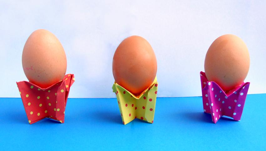 origami egg cups with polkadots pattern