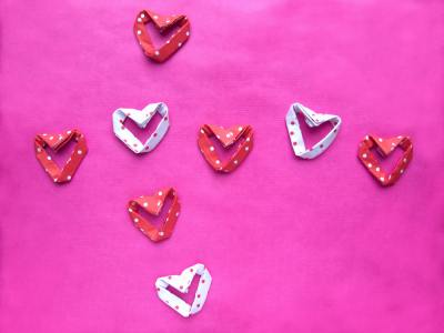 origami hearts with polkadots pattern