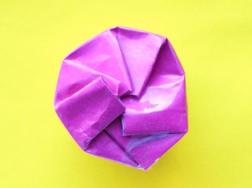 Make an Origami round pencil box