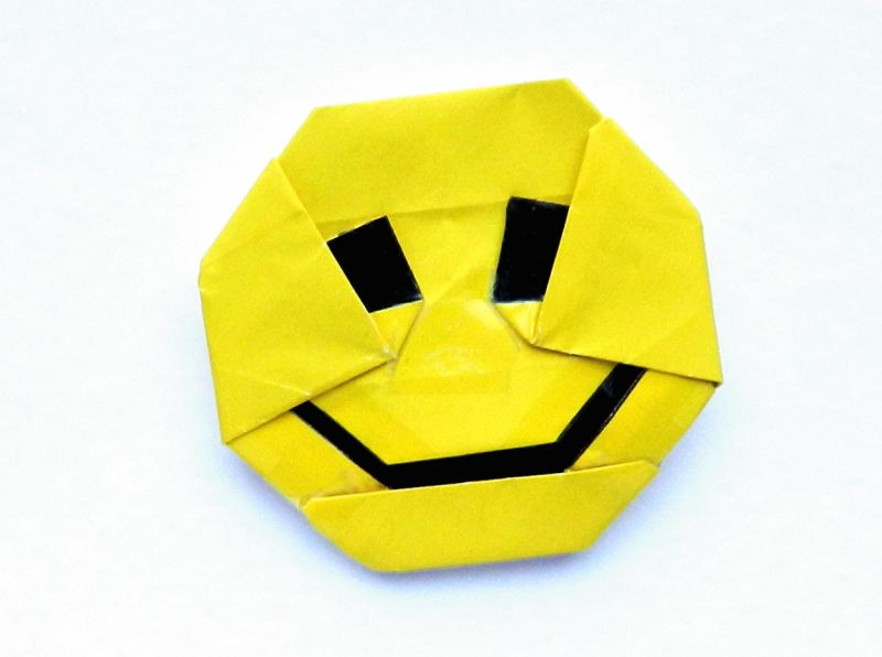 Smiley van papier