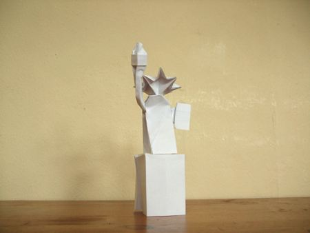 origami statue of liberty in white