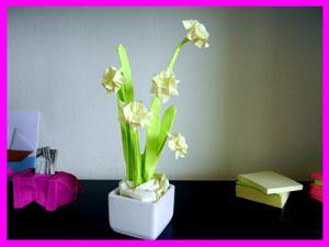 Joost langeveld origami page card with kawaii origami flowers card with a sticky note origami daffodil flower mightylinksfo