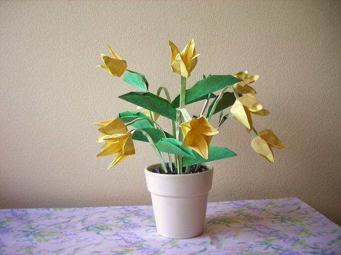 cute yellow origami flowers
