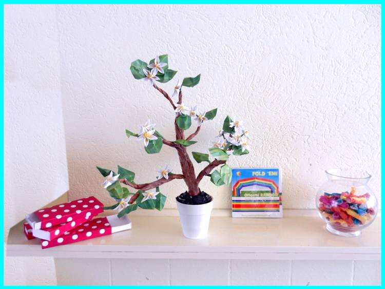 Kawaii Bonsai Origami Gardenia Flower
