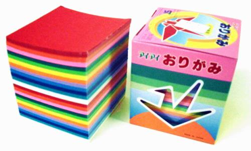 box with 1000 standard origami papers