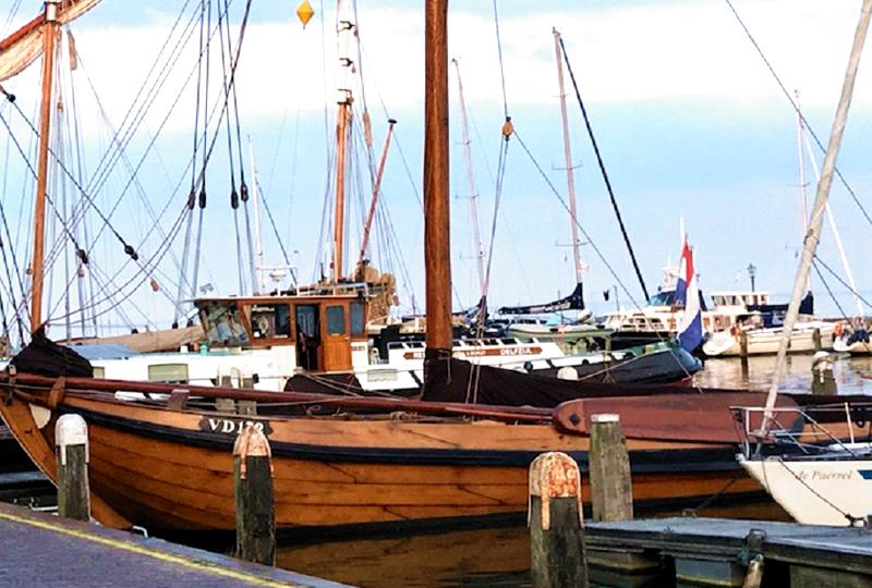 Harbor in Volendam