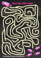 printable maze with a pig, find the little pigs!
